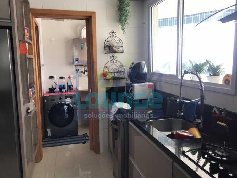 Cozinha - Apartamento com 3 dormitórios,sendo 1 suíte e duas demi-suíte - AGR3AP2060 - 4