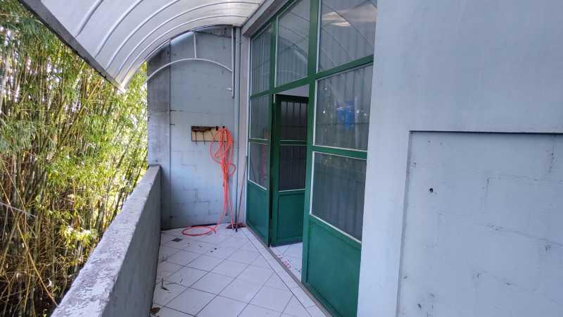 Fundos - Loja 150m² para venda e aluguel Itatiba,SP - R$ 680.000 - VILJ00014 - 16
