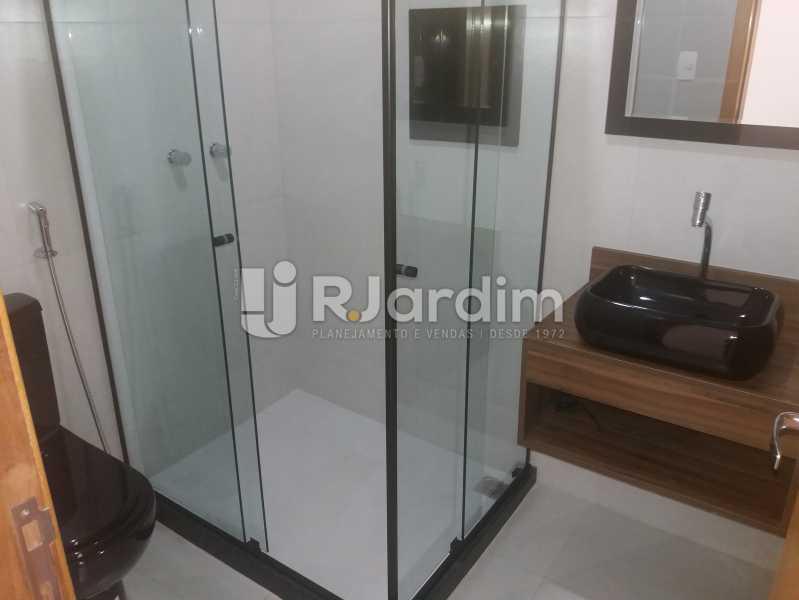 Banheiro social - Compra Venda Avaliação Imóveis Apartamento Copacabana 3 Quartos - AP1586 - 16