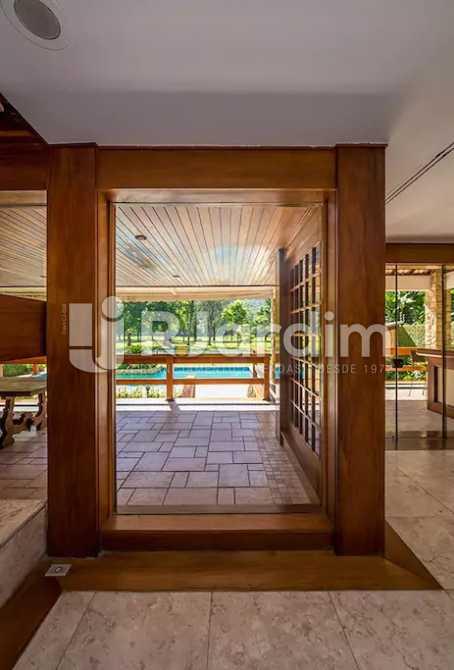 Saída piscina - Casa em Condominio À Venda - Itanhangá - Rio de Janeiro - RJ - LACN40020 - 8