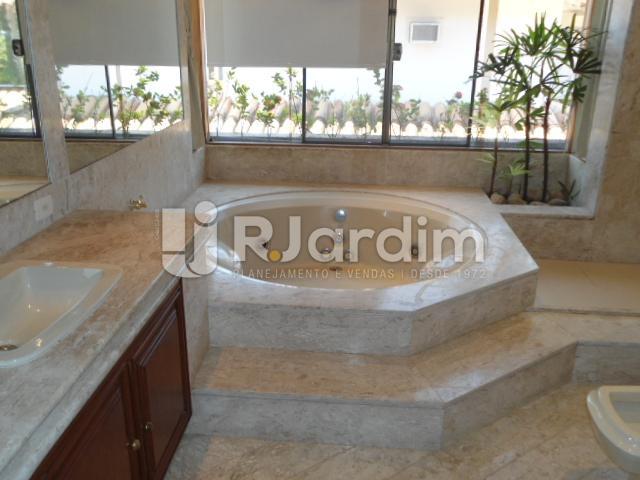 Banheiro - Casa em Condominio À Venda - Itanhangá - Rio de Janeiro - RJ - LACN40020 - 13