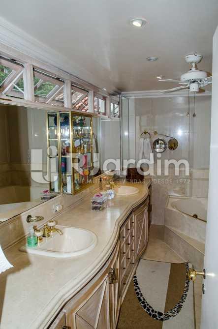 banheiro social - Compra Venda Casa Jardim Botânico 4 Quartos - CA0184 - 19