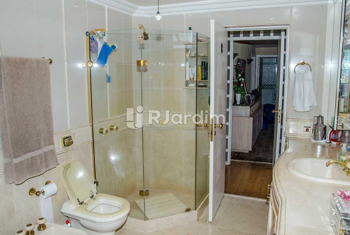 banheiro social - Compra Venda Casa Jardim Botânico 4 Quartos - CA0184 - 20
