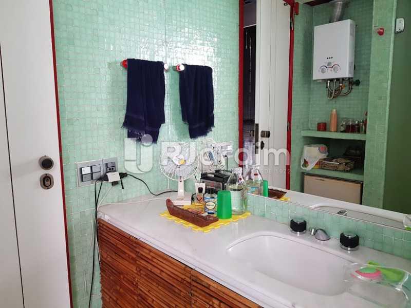 Banheiro (2º andar) - Cobertura À Venda - Leblon - Rio de Janeiro - RJ - LACO20083 - 17