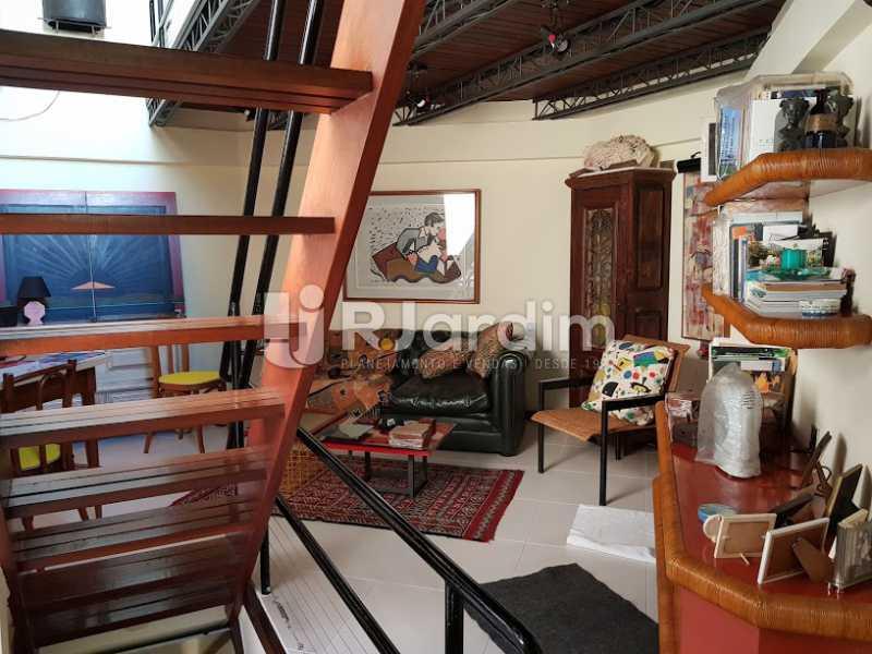 Sala de estar (2º andar) - Cobertura À Venda - Leblon - Rio de Janeiro - RJ - LACO20083 - 12