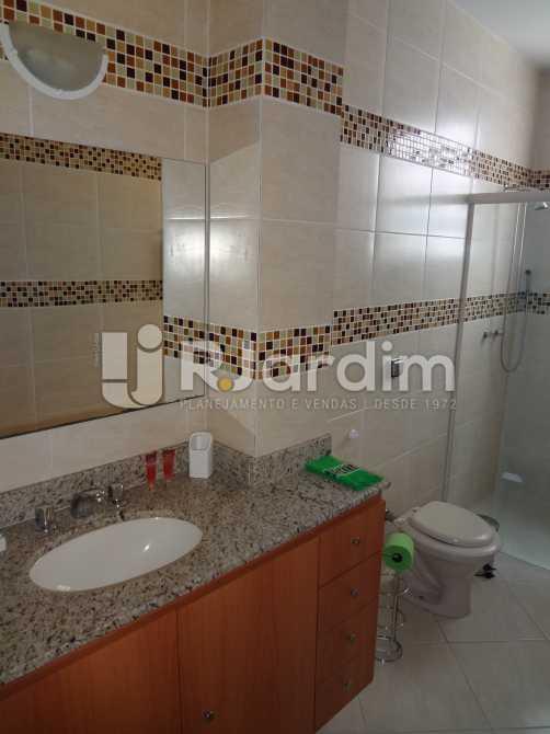 banheiro 1 - Imóveis Compra Venda Avaliação Apartamento Copacabana 4 Quartos - LAAP40085 - 20