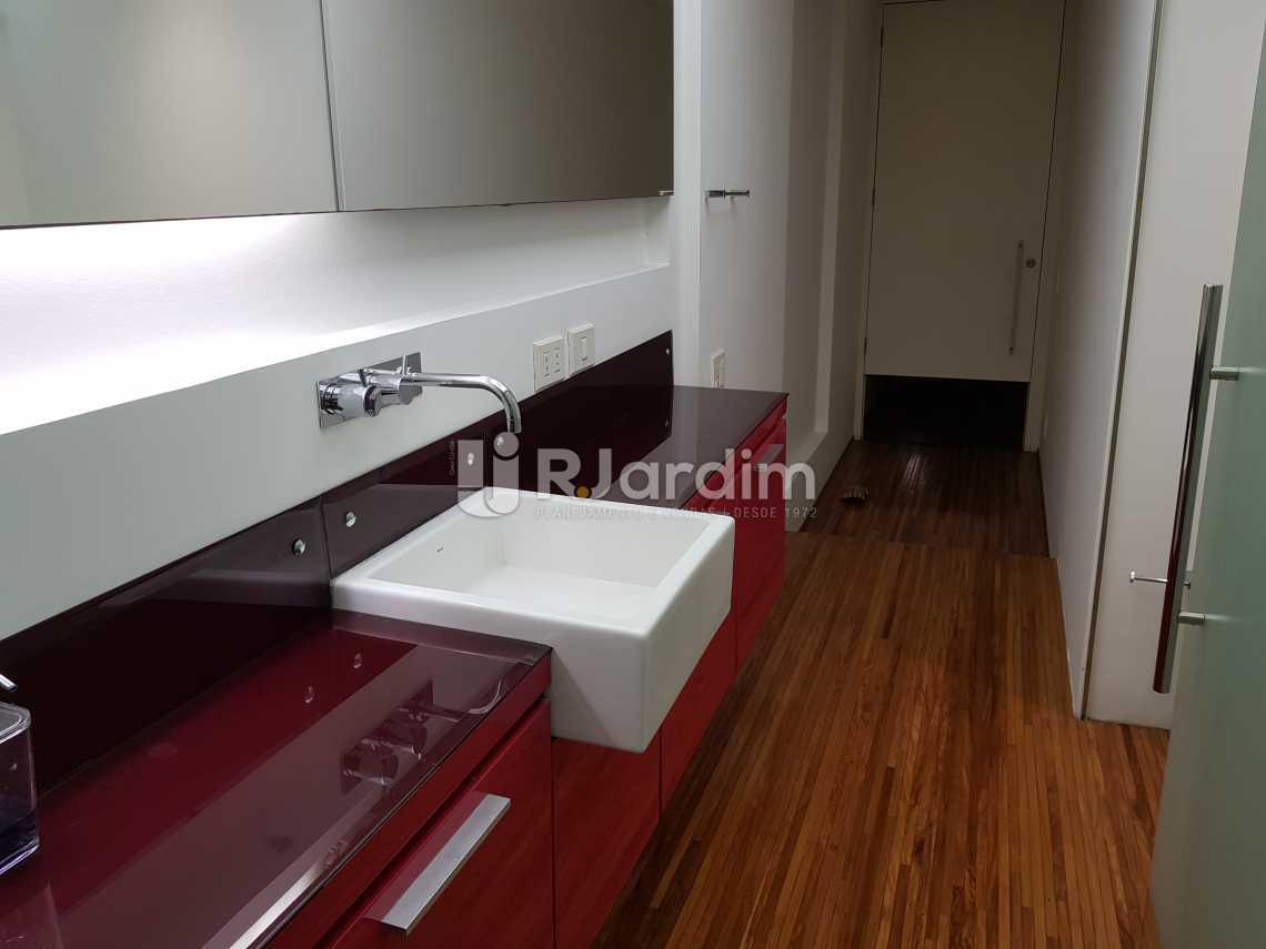 Banheiro - Flat 1 quarto à venda Lagoa, Zona Sul,Rio de Janeiro - R$ 1.200.000 - LAFL10008 - 13