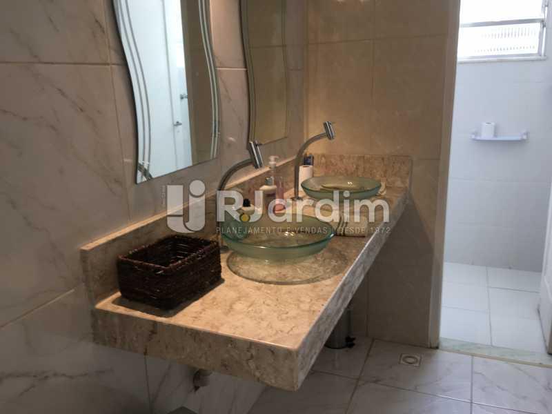 banheiro social - Cobertura À Venda - Leblon - Rio de Janeiro - RJ - LACO30038 - 13