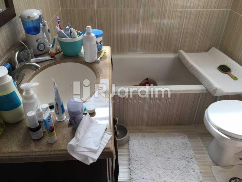 banheiro suite - Cobertura À Venda - Leblon - Rio de Janeiro - RJ - LACO30038 - 24