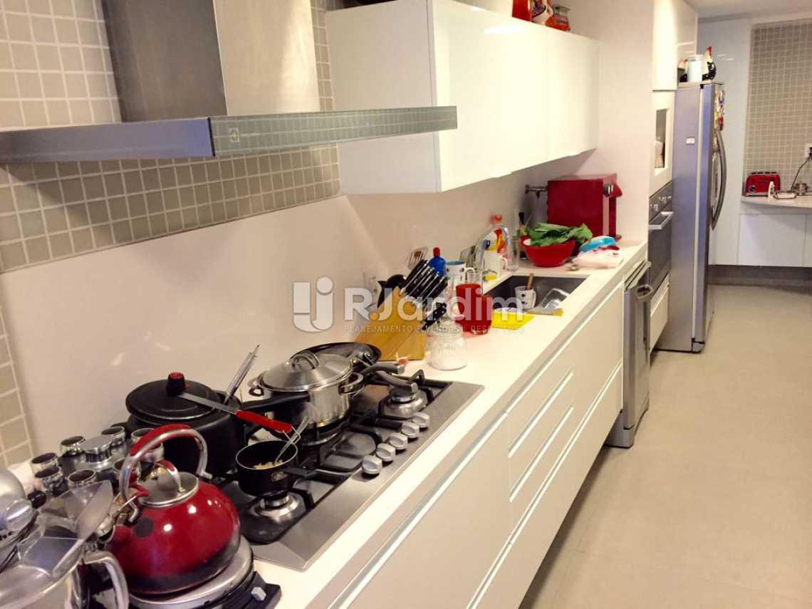 Cozinha planejada - Compra Venda Avaliação Imóveis Apartamento Ipanema 4 Suítes - LAAP40153 - 11