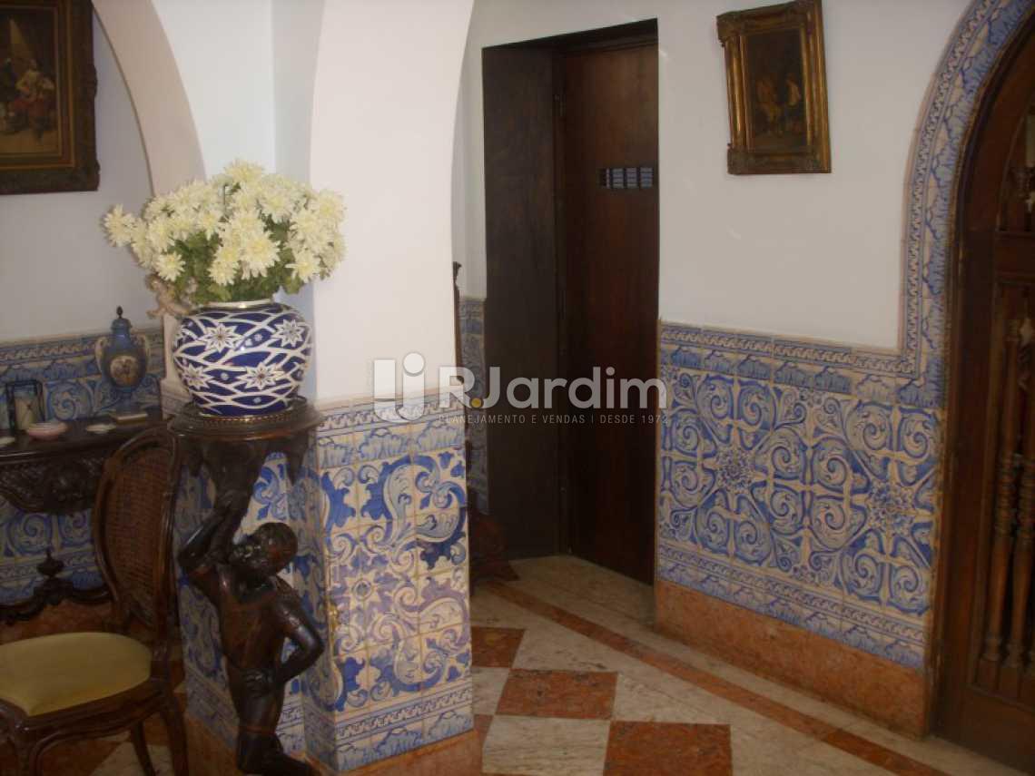 ENTRADA DO ELEVADOR - Casa Cosme Velho, Zona Sul,Rio de Janeiro, RJ À Venda, 9 Quartos, 948m² - LACA90001 - 7