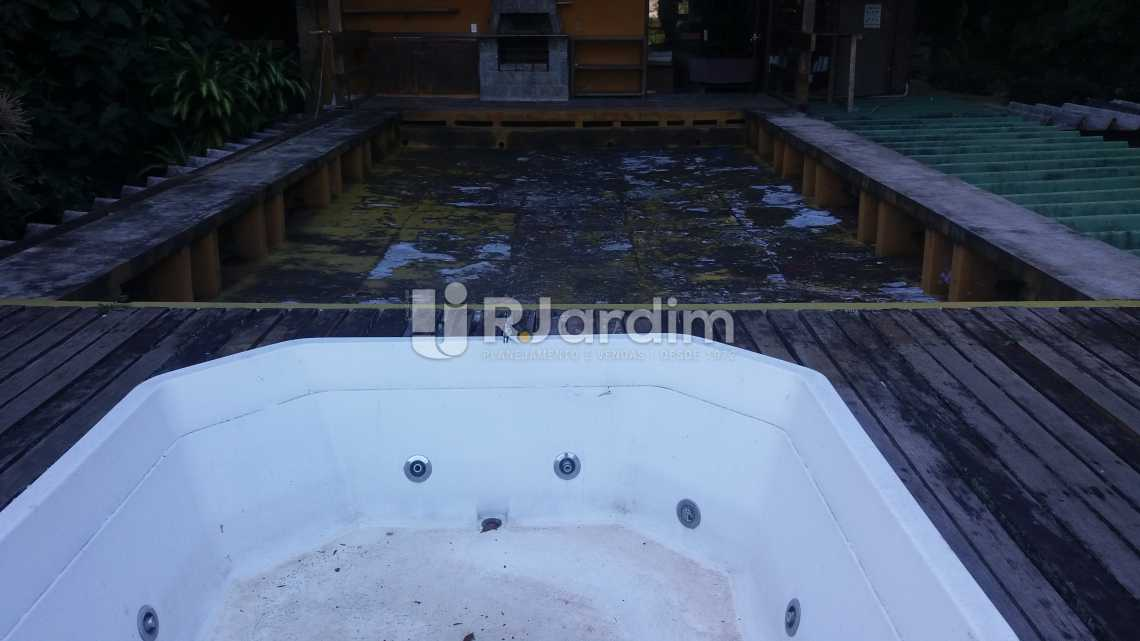 Deck churrasqueira e hidro - Casa Jardim Botânico - LACA50004 - 18