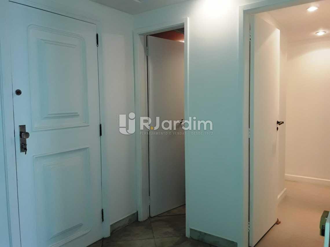 Circulação - Compra Venda Avaliação Imóveis Apartamento Leblon 3 Quartos - LAAP31192 - 8