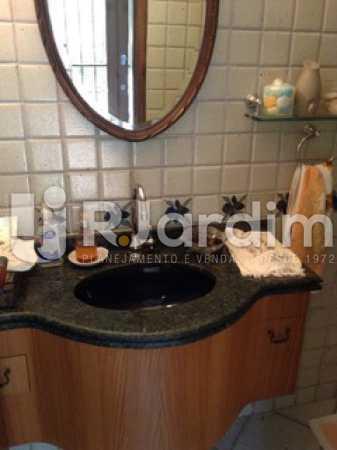 Lavabo  - Casa Cosme Velho, Zona Sul,Rio de Janeiro, RJ À Venda, 9 Quartos, 633m² - LACA90003 - 17