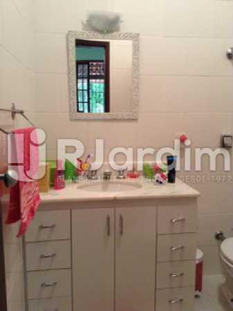 Banheiro Suíte  - Casa Cosme Velho, Zona Sul,Rio de Janeiro, RJ À Venda, 9 Quartos, 633m² - LACA90003 - 22