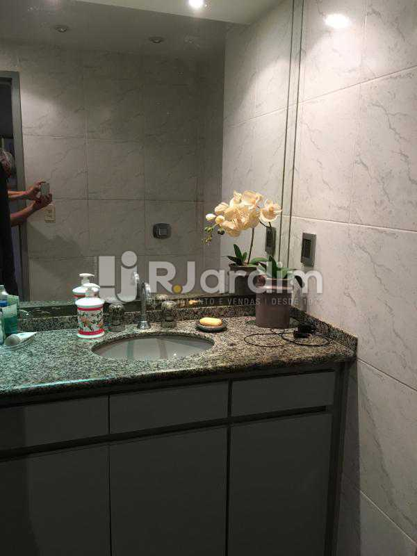 Banheiro social 2 - Apartamento à venda Rua Tonelero,Copacabana, Zona Sul,Rio de Janeiro - R$ 1.970.000 - LAAP30389 - 23