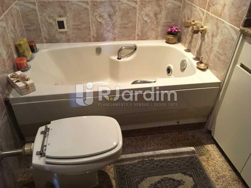 Banheiro social 1 - Apartamento à venda Rua Tonelero,Copacabana, Zona Sul,Rio de Janeiro - R$ 1.970.000 - LAAP30389 - 14