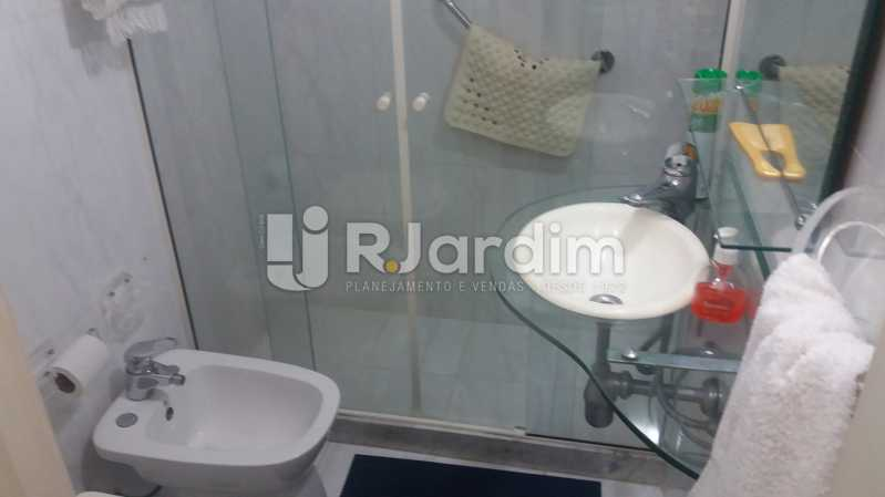 Banheiro social - Apartamento 3 Quartos Copacabana Zona sul Rio de Janeiro RJ - LAAP30453 - 13