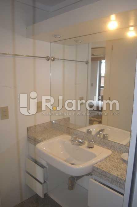 Banho suite 01 - Flat para alugar Avenida Vieira Souto,Ipanema, Zona Sul,Rio de Janeiro - R$ 10.000 - LAFL20013 - 14