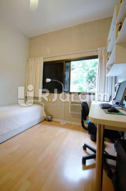 Quarto  1 com armários  - Apartamento À venda, Copacabana, Zona sul, Rio de Janeiro, RJ - LAAP30611 - 13