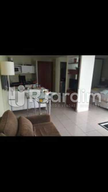 sala - Flat à venda Avenida Lúcio Costa,Barra da Tijuca, Zona Oeste - Barra e Adjacentes,Rio de Janeiro - R$ 900.000 - LAFL10019 - 9