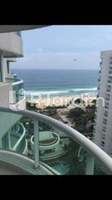 vista da varanda - Flat à venda Avenida Lúcio Costa,Barra da Tijuca, Zona Oeste - Barra e Adjacentes,Rio de Janeiro - R$ 900.000 - LAFL10019 - 10