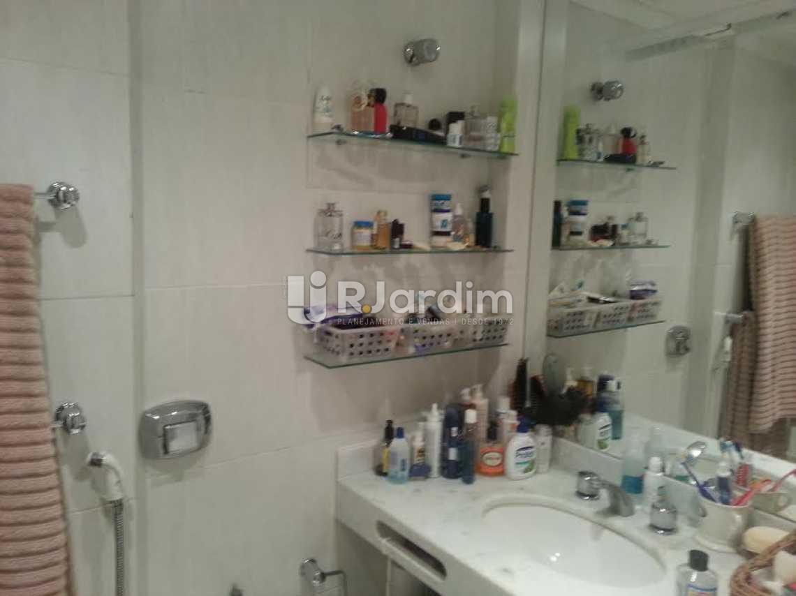 banheiro suíte - Apartamento À VENDA, Lagoa, Rio de Janeiro, RJ - LAAP40345 - 10