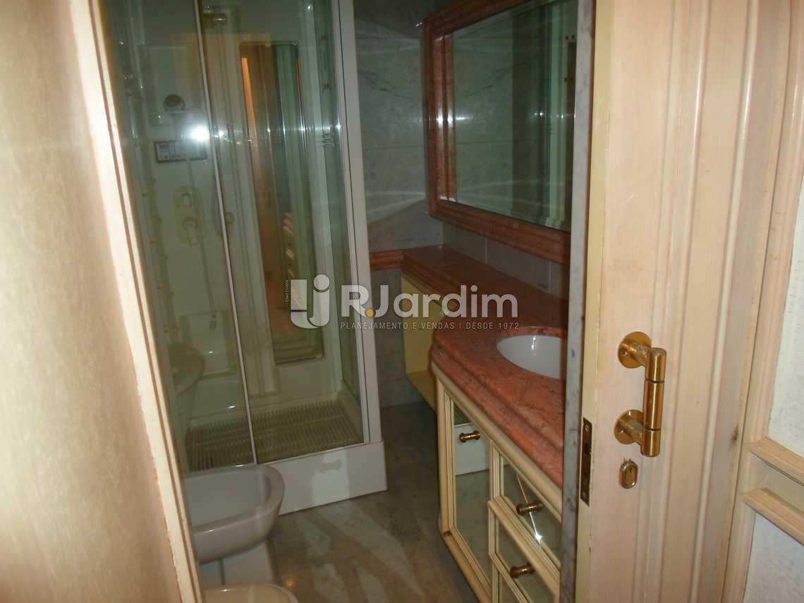 banheiro social - Compra Venda Avaliação Imóveis Apartamento Copacabana 3 Quartos - LAAP30798 - 16