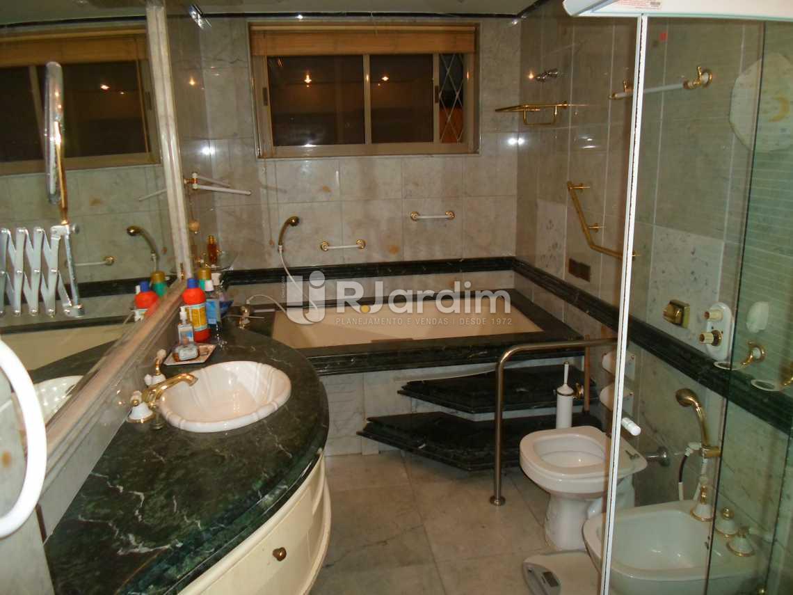 banheiro suíte master - Compra Venda Avaliação Imóveis Apartamento Copacabana 3 Quartos - LAAP30798 - 21