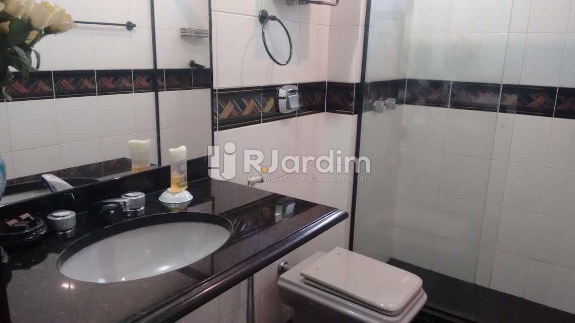 Banheiroda 1 suite - Apartamento À VENDA, Lagoa, Rio de Janeiro, RJ - LAAP40356 - 14