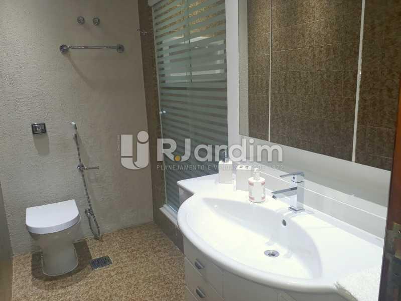 banheiro social - Compra Venda Avaliação Imóveis Apartamento Lagoa 3 Quartos - LAAP30831 - 13