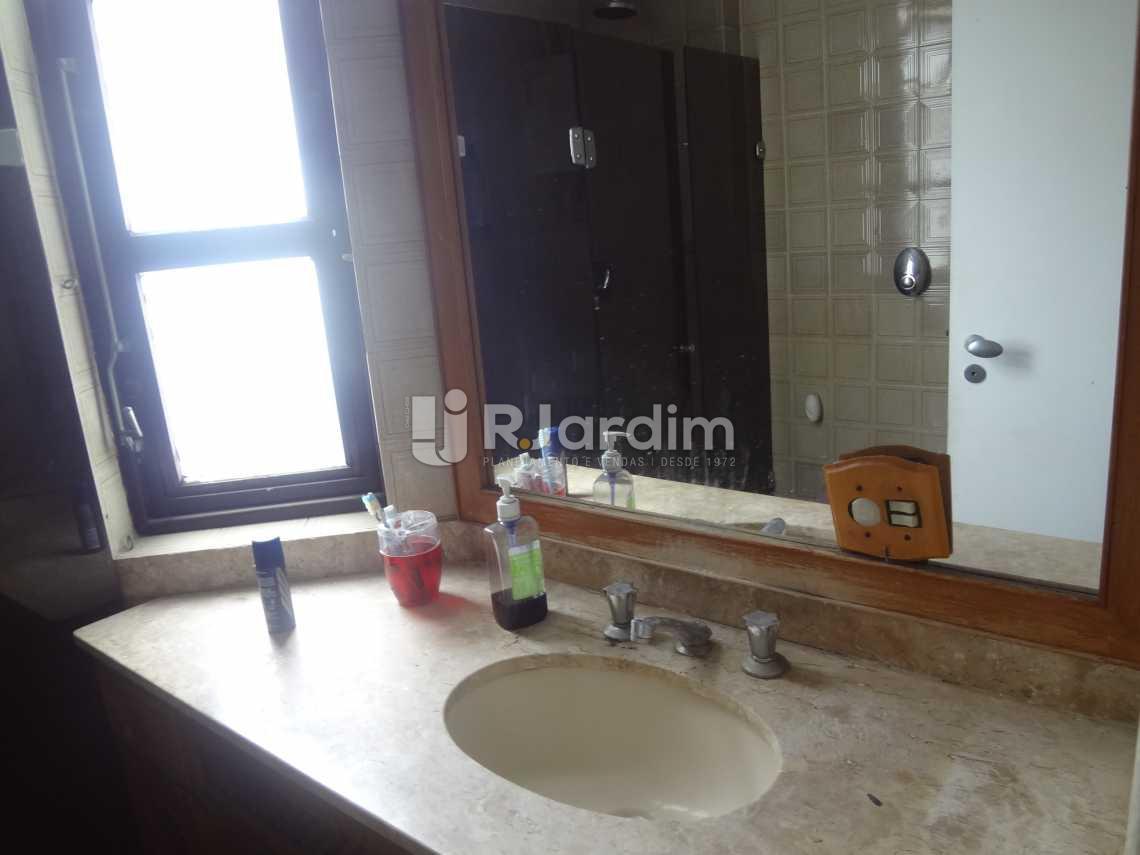 Banheiro da suíte - Compra Venda Avaliação Imóveis Apartamento Gávea 3 Quartos - LAAP30824 - 12