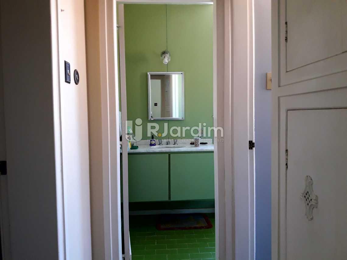 Circulação banheiro - Imóveis Compra e Venda Jardim Botânico Casas - LACA40020 - 19