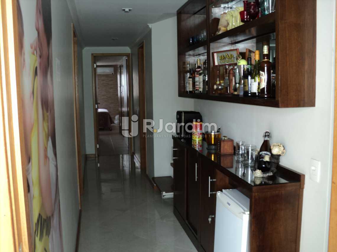 Circulação 2º piso - Cobertura À Venda Rua Arnaldo Quintela,Botafogo, Zona Sul,Rio de Janeiro - R$ 2.100.000 - LACO40066 - 9