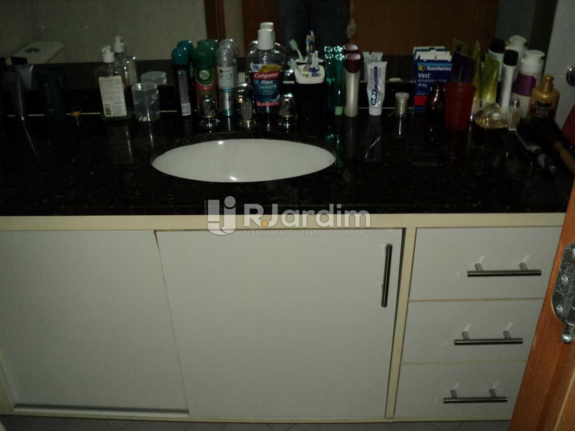 Banheiro suíte 2º piso - Cobertura À Venda Rua Arnaldo Quintela,Botafogo, Zona Sul,Rio de Janeiro - R$ 2.100.000 - LACO40066 - 17