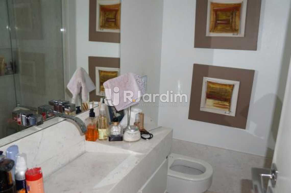 Banheiro social  - Compra Venda Avaliação Imóveis Apartamento Lagoa 2 Quartos - LAAP20633 - 7