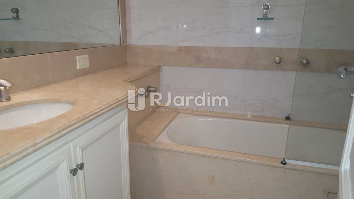 Banheiro da Suíte 2 - Apartamento À VENDA, Leblon, Rio de Janeiro, RJ - LAAP50025 - 16