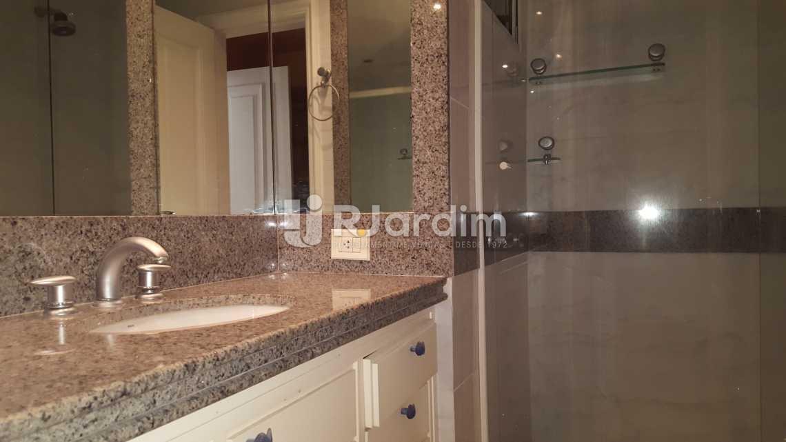 Banheiro Suíte 4 - Apartamento À VENDA, Leblon, Rio de Janeiro, RJ - LAAP50025 - 22