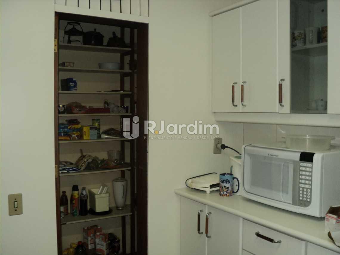Cozinha e Despensa  - Apartamento à venda Rua Corcovado,Jardim Botânico, Zona Sul,Rio de Janeiro - R$ 4.400.000 - LAAP50027 - 26