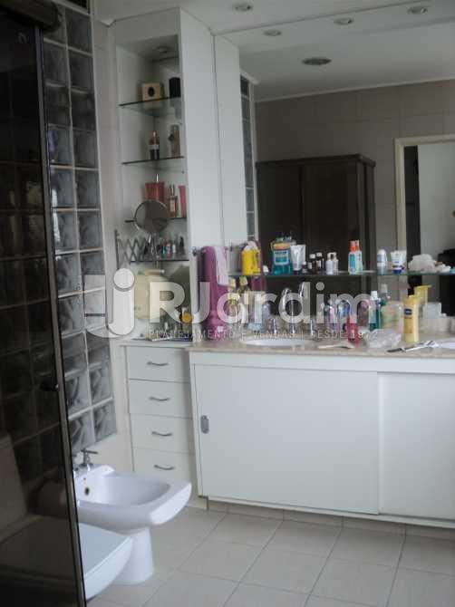 Banheiro Social  - Apartamento à venda Rua Corcovado,Jardim Botânico, Zona Sul,Rio de Janeiro - R$ 4.400.000 - LAAP50027 - 11