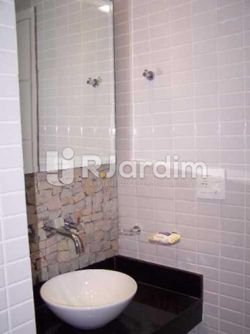 Banheiro da suítes - Imóveis Compra Venda Avaliação Apartamento Ipanema 2 Quartos - LAAP30979 - 9