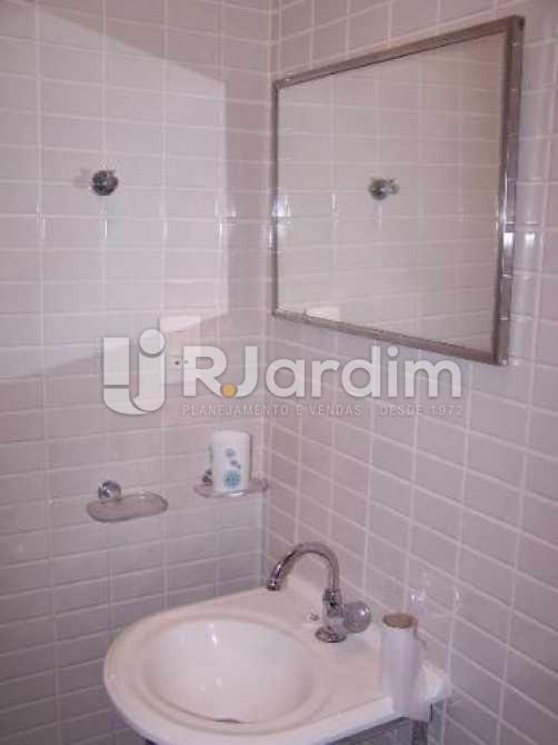 Banheiro socila - Imóveis Compra Venda Avaliação Apartamento Ipanema 2 Quartos - LAAP30979 - 14