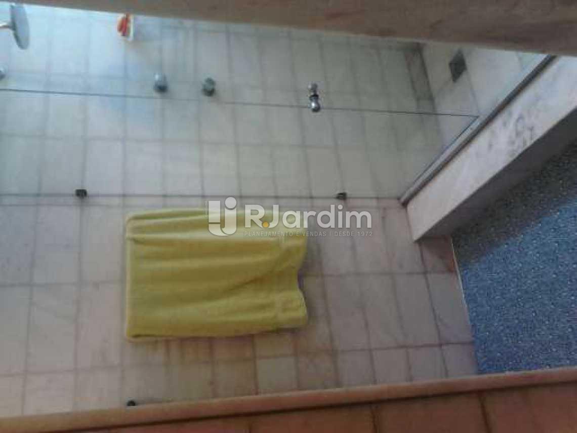 Banheiro suíte 3 - Apartamento À VENDA, Copacabana, Rio de Janeiro, RJ - LAAP30975 - 31