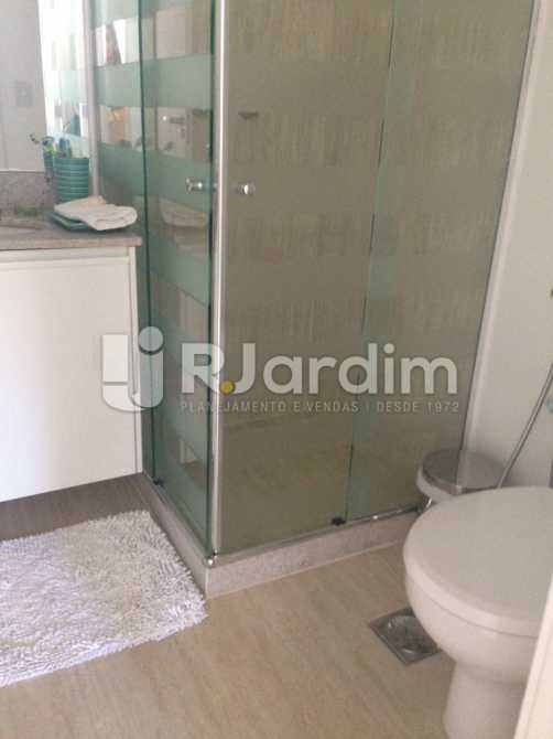 Banheiro Social - Compra Venda Avaliação Apartamento 2 Quartos Humaitá - LAAP20696 - 20