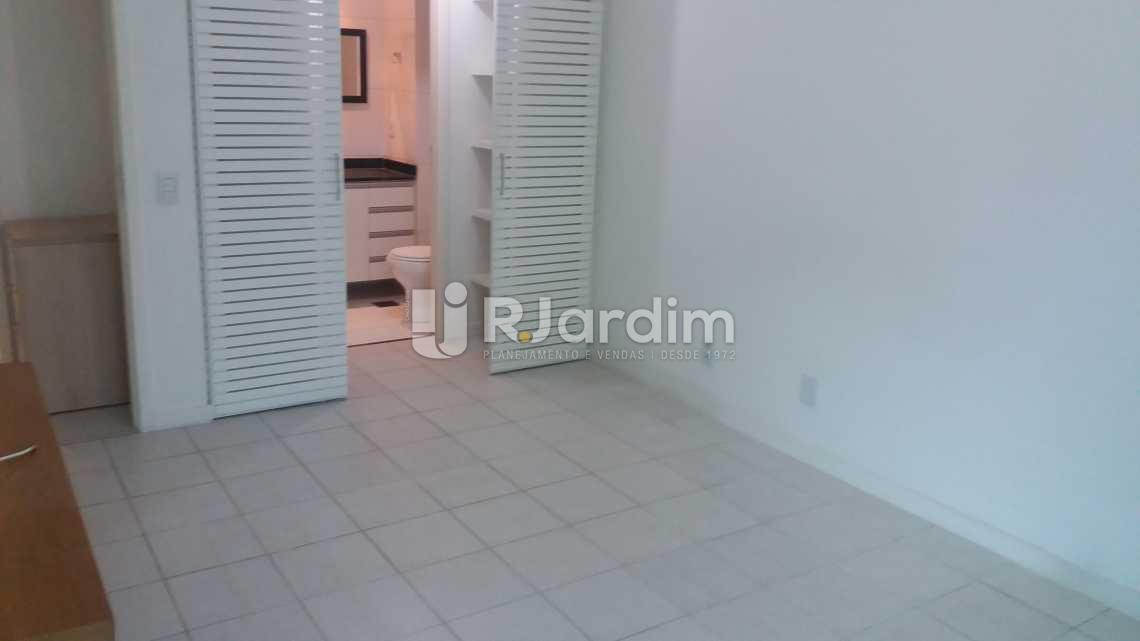 Suíte,closet, banheiro - Apartamento À VENDA, Leblon, Rio de Janeiro, RJ - LAAP20704 - 10