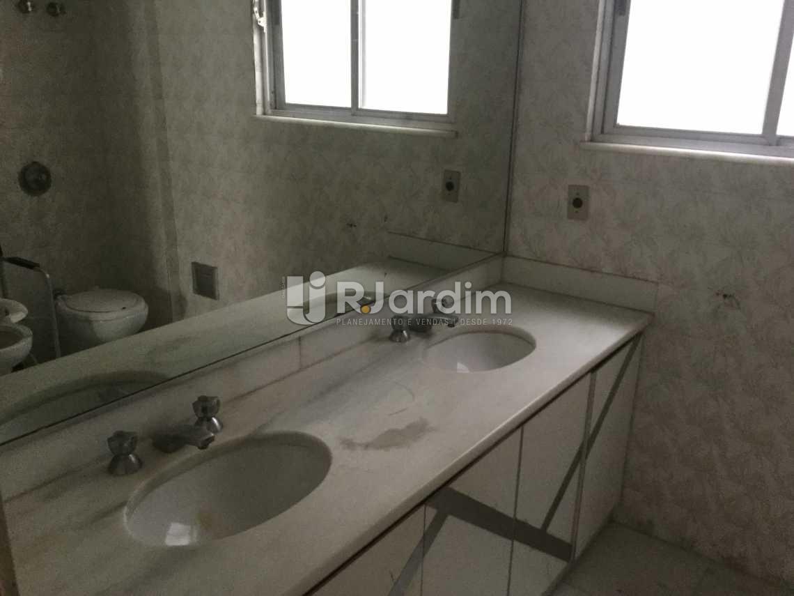 banheiro social - Apartamento À VENDA, Copacabana, Rio de Janeiro, RJ - LAAP40446 - 16