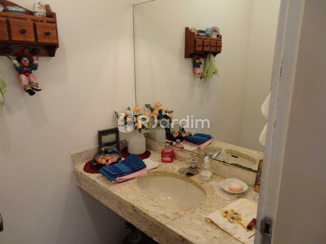 Lavabo - Imóveis Compra Venda Apartamento Barra da Tijuca 5 Quartos - LAAP50031 - 5