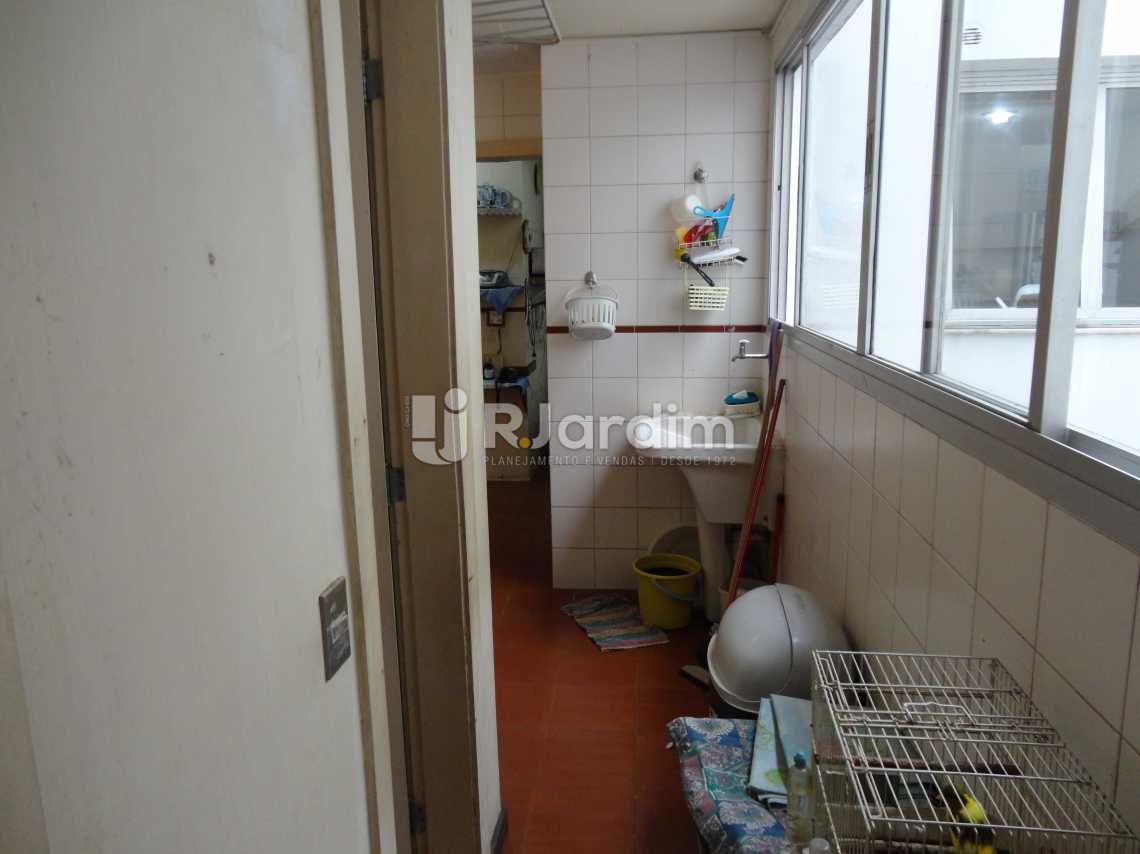 Varanda de Trás - Imóveis Compra Venda Apartamento Barra da Tijuca 5 Quartos - LAAP50031 - 17