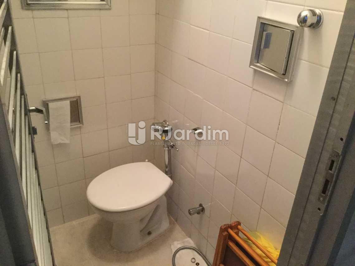 banheiro serviço - Apartamento À VENDA, Leblon, Rio de Janeiro, RJ - LAAP31032 - 24