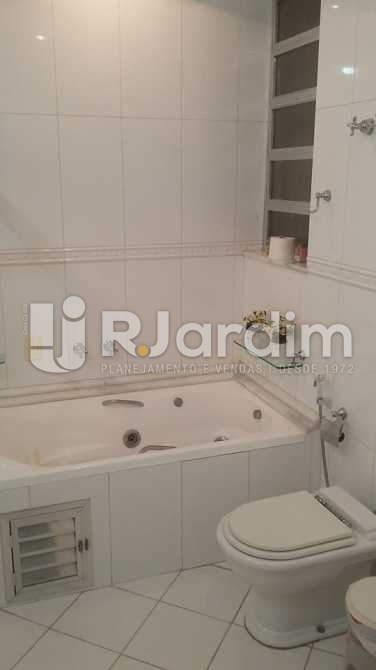Banheiro social - Apartamento / 3 Quartos / Copacabana - LAAP31039 - 16